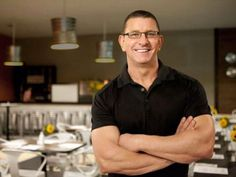 Check out fan-favorite dishes, like cheesy lasagna and sweet nachos, from Food Network's Robert Irvine. Top Recipes, Chef Recipes, Cooking Recipes, Food Network Star, Food Network Recipes, Robert Irvine, Chef Shows, Half Marathon Training Plan, Food Hacks