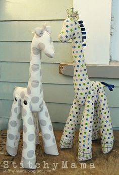 Hand Made Giraffe Softies by Alexa Rae Photos, via Flickr  Adorable.