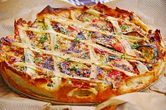 Sheep& cheese - zucchini - quiche, a great recipe from the category Tarte / Quich . Health Snacks, Health Desserts, Tart Recipes, Snack Recipes, Burger Recipes, Chefs, Zucchini Quiche, Frittata, Sheep Cheese