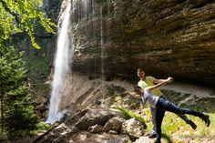 Słowenia - Alpy Julijskie - Kręta droga, grzmiący wodospad i malownicze jeziora