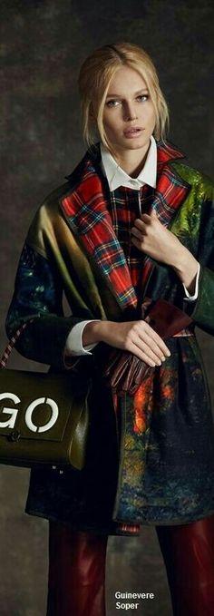 4088770df688 Impressionen, Tartan Mode, Fasion, Winter Mode, Laufsteg Mode,  Schottenkaro, Tartankleid, Hahnentritt, Moda, Winter, Wraps, Stil, Haute  Couture, Sims, ...