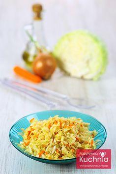 #salatka coleslaw, a właściwie #surowka z #kapusta, #marchewka i cebulą, tani, prosty i szybki dodatek do #obiad.u  http://pozytywnakuchnia.pl/coleslaw/  #przepis #kuchnia