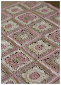 Transcendent Crochet a Solid Granny Square Ideas. Inconceivable Crochet a Solid Granny Square Ideas. Crochet Blocks, Granny Square Crochet Pattern, Crochet Squares, Crochet Blanket Patterns, Baby Blanket Crochet, Knitting Patterns, Granny Squares, Gilet Crochet, Crochet Afgans