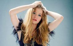 Austria: Zoe is your favorite to win Wer singt für Österreich 2016 Nicole Fox, Kristen Bell, Austria, Long Hair Styles, Beauty, Music, Musica, Musik, Long Hairstyle