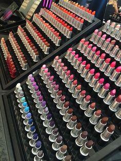 Lovey Mac lipsticks - more_make_up_pintennium Make Up Kits, Makeup Eyeshadow, Makeup Cosmetics, Makeup Brushes, Eyeshadow Tips, Gloss Eyeshadow, Benefit Cosmetics, Lip Makeup, Lip Gloss