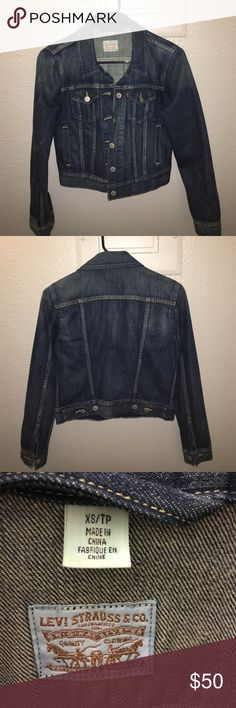 Levi's Jean Jacket XS Previously owned Levi's denim/jean jacket size XS Levi's Jackets & Coats Jean Jackets