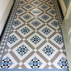 Exterior House Victorian Mosaic Tiles 51 New Ideas Victorian Tiles Bathroom, Victorian Mosaic Tile, Hall Tiles, Tiled Hallway, Victorian Terrace Interior, Victorian Terrace Hallway, Victorian Decor, Victorian House, Edwardian Hallway