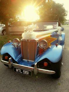 Bridal Car, Car Rental, Antique Cars, Wedding, Vintage Cars, Valentines Day Weddings, Weddings, Marriage, Chartreuse Wedding