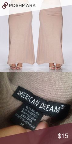 maxi skirt beige maxi • good condition { no holes or stains }  • stretchy material • f21 for exposure only Forever 21 Skirts Maxi