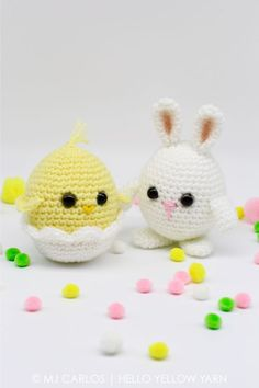 Chirp chirp! Hop hop! Make these adorable little hatchling and bunny for this coming Easter. They are super cute and very easy to make. They can be made as a decorative piece or add them to an East…free pattern! #CrochetEaster