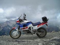 Honda Africa Twin Sky is the limit! Honda Africa Twin, Motorcycle Camping, Dual Sport, Honda Motorcycles, Cool Bikes, Rally, Motorbikes, Om, Twins