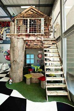 le lit cabane sur un arbre