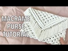 This is an easy pattern and great tutorial for a beginner. There are only 3 knots used for this purse, here is a link to my basic knots tutorial incase you s. Macrame Headband, Macrame Purse, Macrame Wall Hanging Diy, Purse Tutorial, Bracelet Tutorial, Diy Purse, Macrame Design, Macrame Projects, Macrame Patterns