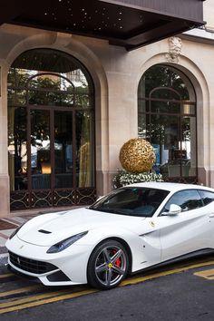 supercars-photography: Ferrari F12 Berlinetta    Sp