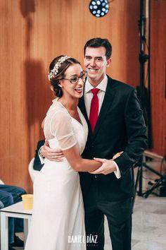 Boda íntima con unos pocos amigos y la familia en Málaga capital. Intimate wedding with a few friends and family in Malaga.