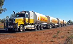 australian trucks - A 4 drive Mack Truck of Australian Fuel Distributors Train Routier, Train Truck, Road Train, Fuel Truck, Mack Trucks, Semi Trucks, Big Trucks, Custom Big Rigs, Custom Trucks