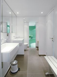White & mint bathroom
