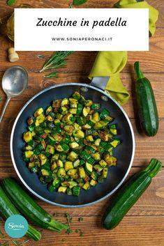Le #zucchine in #padella sono un modo rapido, gustoso e profumato per preparare questa verdura. Vieni a scoprire la ricetta! Con i piccoli cubetti dorati di zucchine in padella infatti puoi arricchire una torta salata, condire un piatto di pasta con qualche pomodorino, trasformare una frittata. O ancora puoi trasformare una focaccia farcita, aggiungerle ad un risotto ai gamberi per il più classico degli abbinamenti, o usarle per accompagnare una ciotola di hummus! Frittata, Vegan Vegetarian, Italian Recipes, Hummus, Green Beans, Food Ideas, Vegetables, Food Cakes, Food