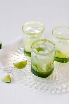Flavored cocktail rim sugar - lime flavored, green colored rimming sugar for sweet margarita, caipirinha or mojito by dellcovespices on Etsy https://www.etsy.com/listing/106917626/flavored-cocktail-rim-sugar-lime