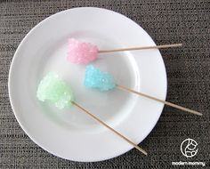 Make Your Own Rock Candy - wouldn't this be a fun science experiment for your kid's classroom?