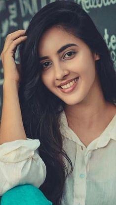 Beautiful Girl In India, Most Beautiful Indian Actress, Most Beautiful Women, Simply Beautiful, Lovely Girl Image, Girls Image, Woman Face, Girl Face, Cute Beauty