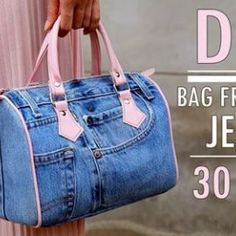 DIY Recycling handbag Jean or jeans in 30 minutes - ali - Moda para Mujeres Denim Crafts, Denim Bag, Rag Quilt, Blue Jeans, 30th, Recycling, Pouch, Handbags, Tote Bag