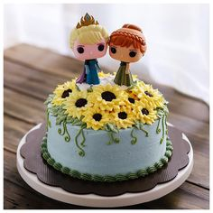 Food : Adorable Frozen Fever birthday cake!