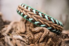LieblingsWutz Paracord Bracelet Designs, Paracord Projects, Paracord Bracelets, Yarn Projects, Paracord Ideas, Paracord Weaves, Paracord Knots, Diy Dog Collar, Pet Collars