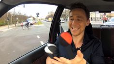 Stars In Cars: Tom Hiddleston Bonus Scenes Jonglieren - Juggling in Berl...