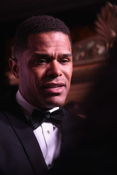 Maxwell Photos Photos - Singer Maxwell attends the UNITAS 2nd annual gala…