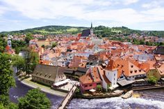Aerial view over the old Town of Cesky Krumlov, Czech Republic Cheap Places To Visit, Real Castles, Prague Czech Republic, Cities In Europe, Shore Excursions, European Travel, Aerial View, Day Trip, Old Town