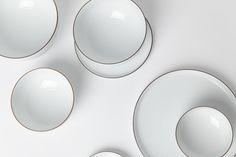 Totokaelo Art–Object - Hakusan White Hakuji Sendan Large Plate