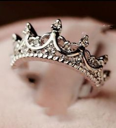 Queen's Silver Crown Ring