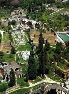 Villa Adriana, Tivoli, RomeTivoli was a residential roman town, just a short driving distance from Rob and Sara's home (30 mins). IT has astonishing Villas and ruins