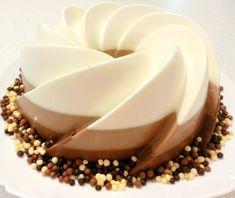 Reteta tort trei ciocolate - reteta video - Rețetă Petitchef