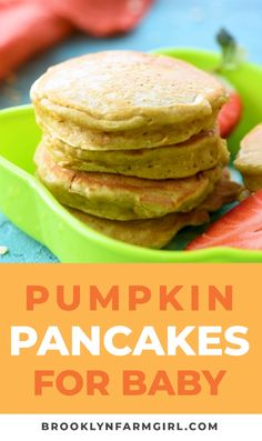 Pumpkin Baby Pancakes Recipe for babies, toddlers and parents! This easy pancake recipe is great for baby led weaning for first foods! These pumpkin pancakes are healthy and nutritious! Serve for brea Healthy Baby Food, Healthy Toddler Meals, Kids Meals, Healthy Snacks For Toddlers, Healthy Toddler Breakfast, Healthy Finger Foods, Toddler Dinners, Baby Finger Foods, Food Baby