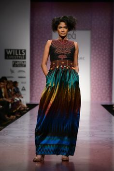 ANITA DONGRE AT WILLS INDIA LIFESTYLE Anita Dongre showcases an eclectic and earthy collection that is bohemian to its very soul.  https://www.facebook.com/nikhaarfashions