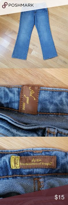 Wrangler Aura Boot Cut Jeans Versatile,Everyday Wear,I See These With Boots,Boyfriend Tee,Cowgirl Hat,Crossbody Bag.. ****Size 10 Regular**** Wrangler Jeans Boot Cut
