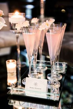 Signature drinks are a must! | Photography: Ikonica | #fourseasons #Toronto #weddings #fsweddings #bridal #springwedding #spring