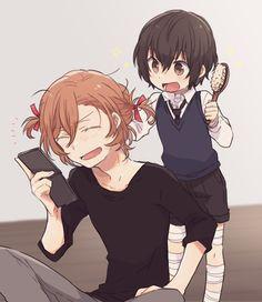 Little dazai doing chuuya's hair Dazai Bungou Stray Dogs, Stray Dogs Anime, Anime Manga, Anime Art, Chibi, Anime Siblings, Funny Chat, Chuuya Nakahara, Familia Anime