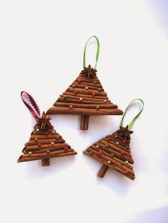 Items similar to Cinnamon Christmas tree ornament with spices - Christmas decoration on Etsy Christmas Activities, Christmas Projects, Holiday Crafts, Christmas Tree Ornaments, Christmas Holidays, Christmas Decorations, Christmas Bazaar Ideas, Craft Gifts, Yule