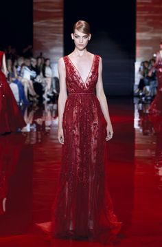 ELIE SAAB Haute Couture Autumn-Winter 2013-14 I should make a board just foe Elie Saab, it's like they just can't get it wrong. I love all their designs.