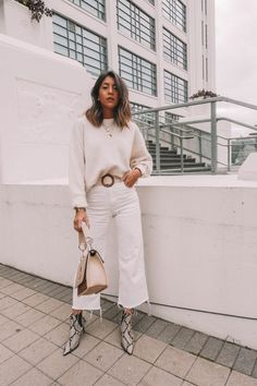 All white outfit; white sweater and white pants. Beige Outfit, All White Outfit, White Outfits For Women, White Pants Outfit, White Overalls, Overalls Outfit, Fall Winter Outfits, Summer Outfits, Casual Outfits