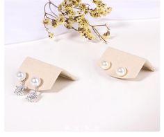 Organizador de joyas exhibición de joyas soporte de perno de | Etsy Pearl Earrings, Pearls, Etsy, Jewelry, Wood Display, Stud Earrings, Bangle Bracelets, Jewellery Display, Product Display