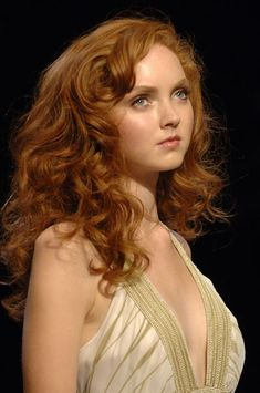 Lily Cole, curly hair