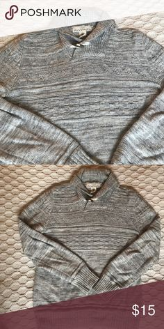 Gray H&M men's sweater Stylish men's gray sweater from H&M. Great condition, minor stain shown in picture that is hardly noticeable. Size medium. H&M Sweaters