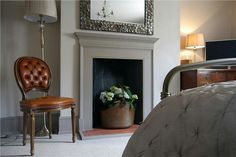 Farrow & Ball Inspiration - Mizzle on walls, Pigeon on woodwork Paint Fireplace, Bedroom Fireplace, Grey Fireplace, Painted Fire Surround, Home Living Room, Living Room Decor, Farrow And Ball Bedroom, Victorian Fireplace, Front Rooms