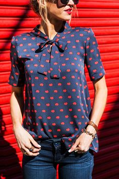 Blue Lip Print Bowknot Design Short Sleeves Top