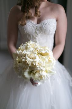 I love the beautiful window lighting, which shows the details in her dress and flowers. Elegant Winter Wedding, Summer Wedding, Floral Wedding, Wedding Bouquets, Wedding Dresses, Wedding News, Wedding Photos, Cake Bouquet, Heinrich Heine