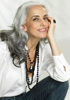 Yasmina Rossi - amazing what a bit of jewelry can do for a plain white shirt and black pants or jeans (love the long hair too! Going Gray Gracefully, Aging Gracefully, Long Gray Hair, Grey Hair, Yasmina Rossi, Silver Haired Beauties, Coiffure Hair, Ageless Beauty, Advanced Style